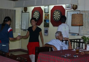 Darts night at Domino Pub & Restaurant, Sukhumvit Soi 11, Bangkok