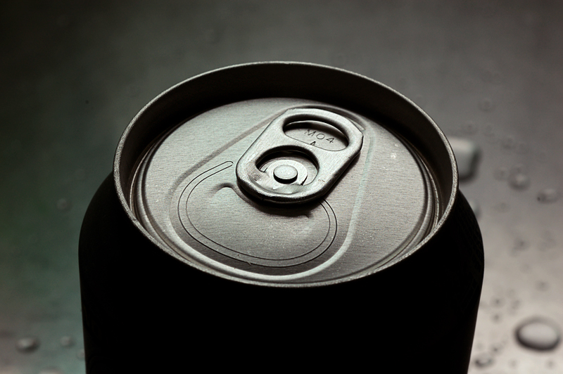 A retained ring-pull on an aluminium drinks can